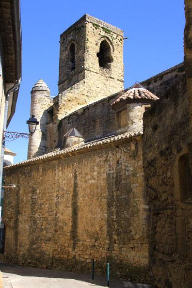 Bild: Eglise Saint Denis von der Rückseite in der Rue Saint Anné in Courthezon