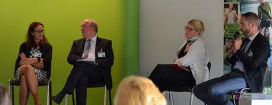 v.r.n.l.: Patrick Schreiber MdL (CDU), Susanne Schaper MdL (DIE LINKE),  Andreas Werner (KSV), Dagmar Neukirch MdL (SPD)