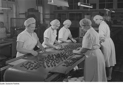 Süßwarenproduktion in Dresden 1951 (Quelle: Deutsche Fotothek)
