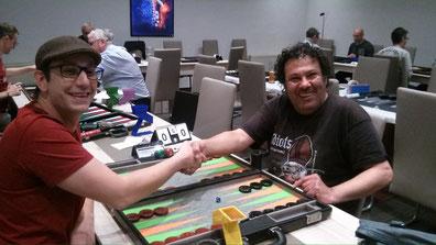 Debütant Christian und Turniersieger Mehrzad im neuen Spielsaal