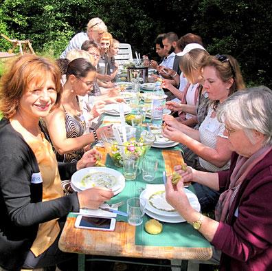 Essen im Kräutergarten Stüffel www.kraeuter-entdecken.de