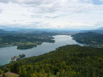 ピラミーデンコーゲルからのヴェルター湖の眺め