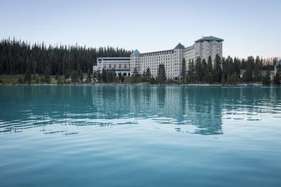 Fairmont Chateau Lake Louise, Banff National Park, Alberta, Canada (C) Travel Alberta