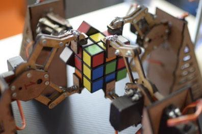 Imagen del robot creado por los hermanos Pym. Tomado de htxt.africa