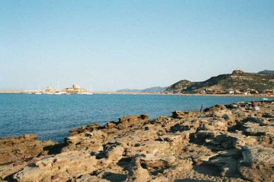 Rochers et plage de Bosa