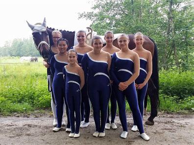 Gruppe Bad Ems 4 mit Longenführerin Jessica Schumacher und Pferd Maximus