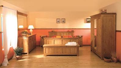 Naturholzmoebel-Kiefer - Blockhaus, Holzhaus, Massivholz, Massivholzmöbel, Holzmöbel, Wohnzimmer, Schlafzimmer, Arbeitszimmer, Landhausmöbel, Landhaus, Naturholzmöbel