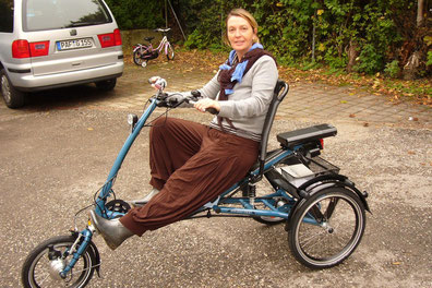 Zufriedene Scootertrike Pfautec Kundin