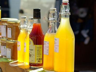 Selbst gemachter Fruchtsirup aus Saft