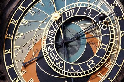 Zu Astrologie und Horoskopen