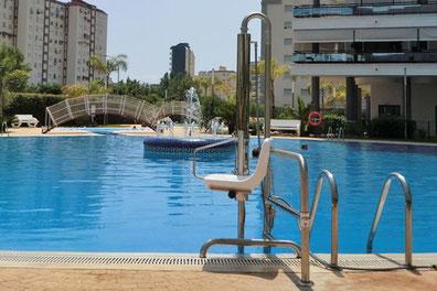 La importancia de las escaleras para piscinas