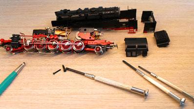 Modelleisenbahn Reparatur