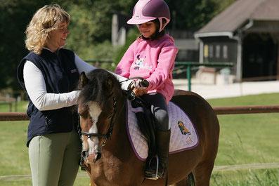 Stéphanie Nageleisen, instructrice d'équitation BEES2 et directrice du centre de vacances