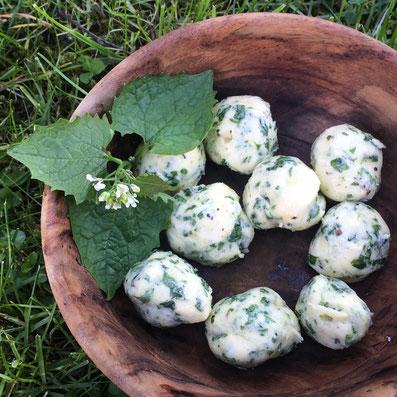 Knoblauchsrauken-Butterbällchen