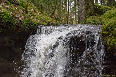Kleiner Wasserfall im Schwäbischen Wald