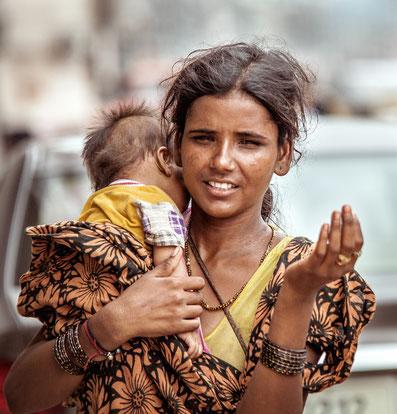 mujer; India; ser mujer ayer y hoy;