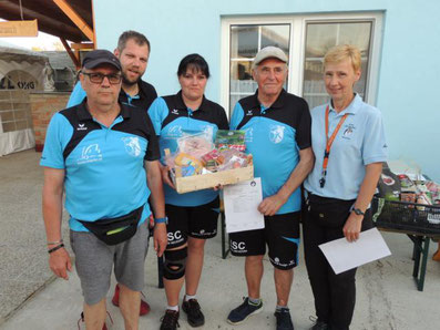 3. Platz: ESC Wr. Neudorf mit Schrenk Josef, Wieninger Markus, Ullig Theresia und Koller Josef