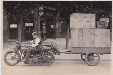Foto: Georg Suck und der Harley Davidson Motor Company