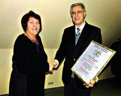 Vorsitzender Erhard Baumbach - Goldener Ehrenkranz des Sängerkreises - 2013