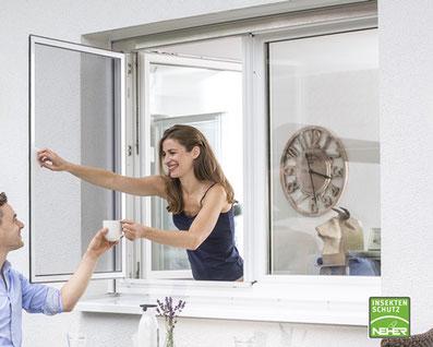 bewegliche Insektenschutzfenster, Fliegengitter die sich öffnen lassen, Insektenschutz-Drehrahmen für Fenster, Neher-Pendelfenster