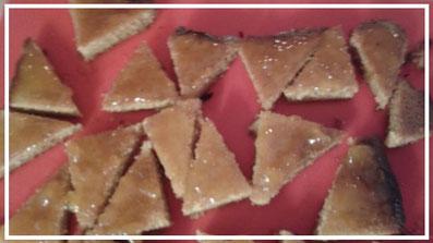 Backrezepte Baumkuchenspitzen mit Marzipan backen ganz einfach und schnell. Tolle Backideen zu Weihnachten, Geburtstag, Konfirmation, Ostern, Hochzeit, Muttertag, Vatertag oder einfach nur so. Backen und kochen für deine Party.