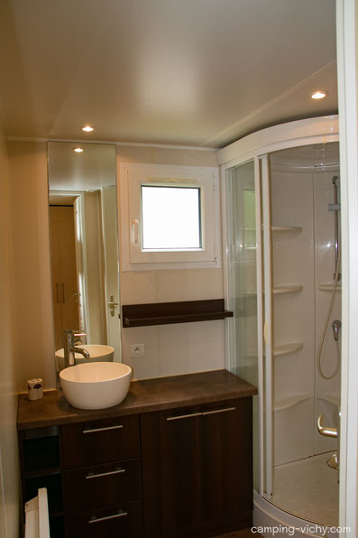 camping vichy allier auvergne salle de bain mobil home