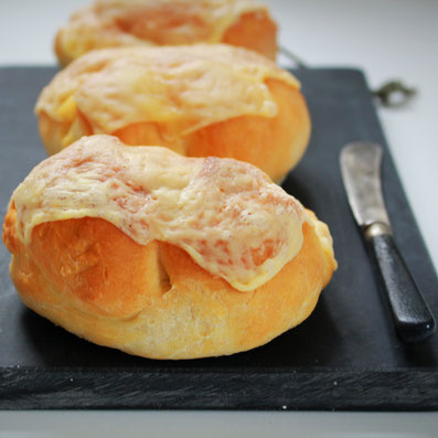 Einfach! Küche! Käsebrötchen zum Frühstück oder lieber als Burger?