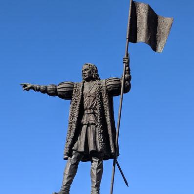 Die Statue von Cristof Kolumbus in Huelva, Andalusien, Spanien.