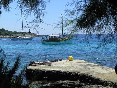 Skipperpraxis und Skippertraining auf Motoryachten, Segelyachten, Katamaran und Holzyachten in Kroatien, Dalmatien
