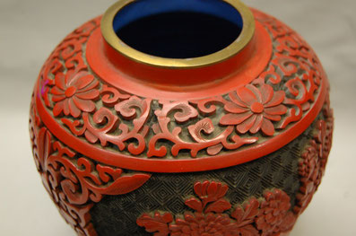 漆で直した壺