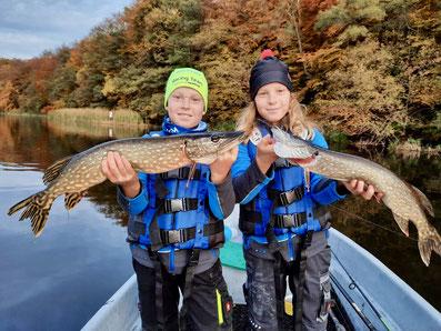 Kinder angeln Hecht, Hechtangeln