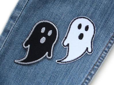 Bild: weißes und schwarzes Gespenst zum aufbügeln als Hosenflicken für Jeans, Geister Flicken für schnelle Reparatur von Hosen