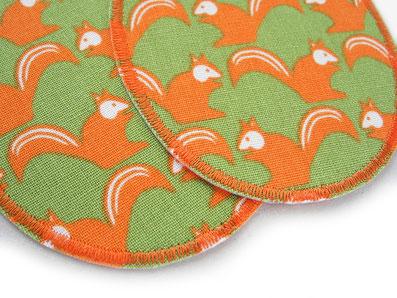 Bild: Flicken zum aufbügeln für Kinder mit Eichhörnchen orange, nachhaltige Bügelflicken für Jeans