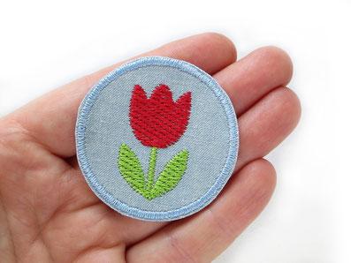Bild: gestickte rote Tulpe als Bügelbild, Bügelflicken mit roter Tulpe, Jeansflicken Blume
