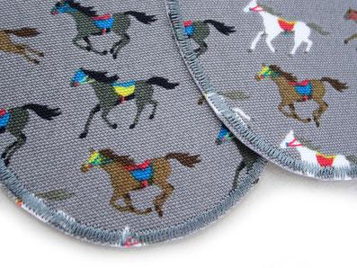 Bild: Flicken zum aufbügeln mit Pferden grau, robuste Knieflicken für Kinder