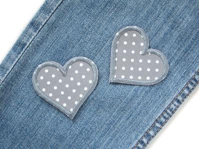 Bild: graue Herz Flicken zum aufbügeln mit kleinen weißen Punkten, Herz Bügelflicken Bügelbilder als Jeansflicken