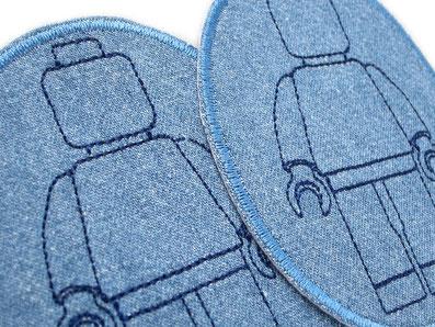 Bild: Hosenflicken zum aufbügeln für Kinder mit gestickten Legomännchen blau, Lego Accessoire für Jungen