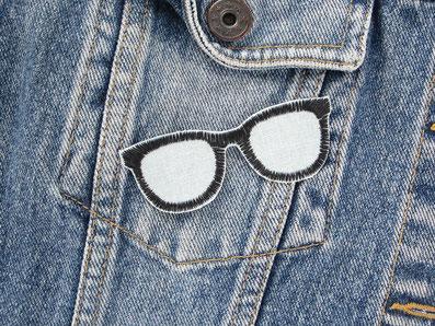 Bild: Brille Bügelbild gestickt, schwarze Nerdbrille Applikation patch zum aufbügeln