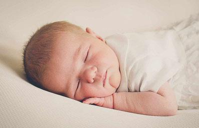 Annette Hofmann Fotografie,91257 Pegnitz,fraenkische Schweiz,Babybilder,Babyfotos,Newbornshooting,Bayreuth,Nuernberg,Familienfotograf