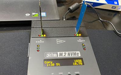 これdo台 M.2 NVMe/SATA変換起動時パソコンAR