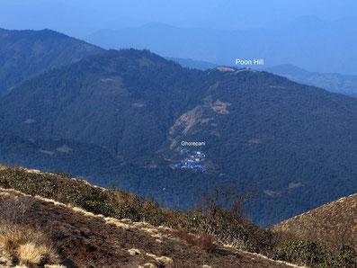 Blick zum Poon Hill von einsamer Warte (Khopra Danda Trek); Foto: © Klaus Hessenauer