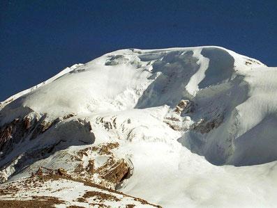 Passhöhe Thorung La mit Blick zum Thorung Peak 6140 m; Foto: © Klaus Hessenauer
