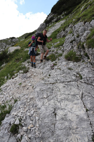 Abstieg über Felspassage in Richtung Bogatinom Hütte
