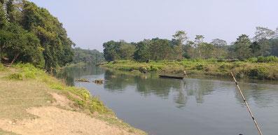 Viel Verkehr auf dem Rapti Fluss