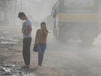 Fahren in Kathmandu ist keine Lungenerholung