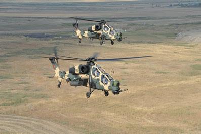 Due T129A durante una missione addestrativa / © TAI