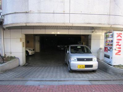駐車場(1日1000円)