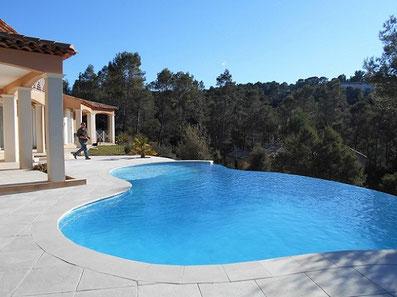 piscine-débordement-pins-chênes