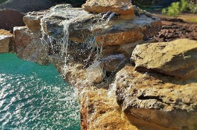 belle-cascade-piscine