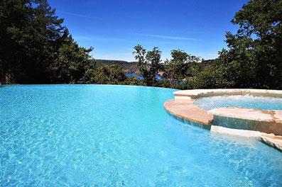 piscine-à-débordement